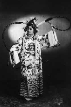 京剧表演艺术家叶盛兰逝世