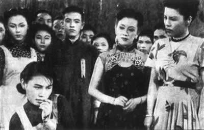电影《一江春水向东流》创中国电影卖座最高纪录