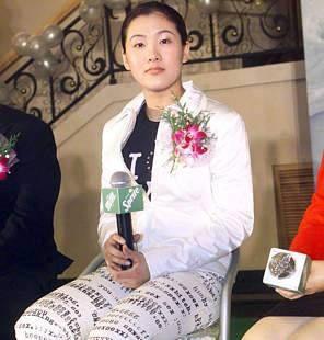13岁的中国运动员伏明霞成为最年轻的世界冠军(历史上今天lssjt.com)