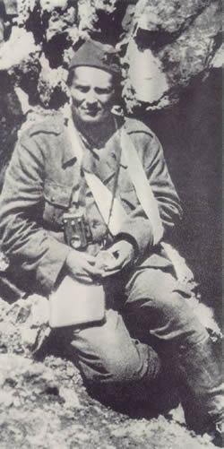 铁托担任南斯拉夫联邦共和国总统和武装部队最高统帅
